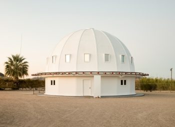 The Integratron dome in all its glory. Photo by Stuart Smith.